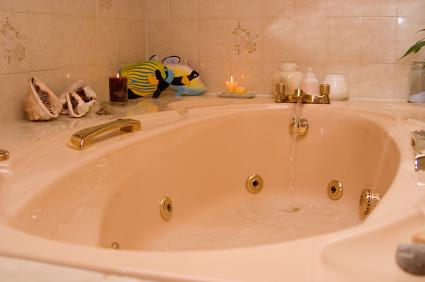 Bubbelbadkar i badrum