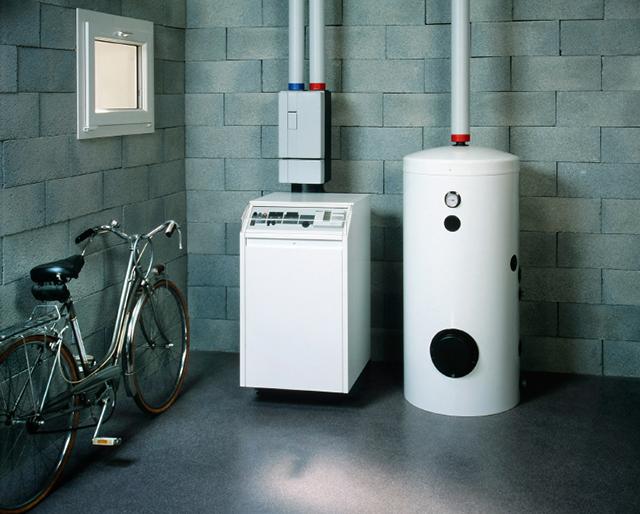 Stående varmvattenberedare